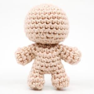 Mini Noso – Kleine Puppe häkeln ohne nähen